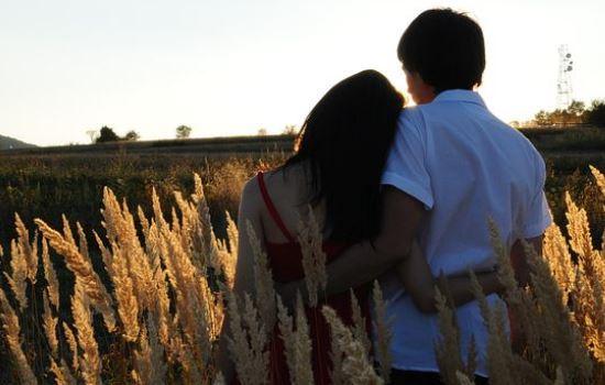 分手后该怎么挽回对方,恋爱四年分手该怎么办