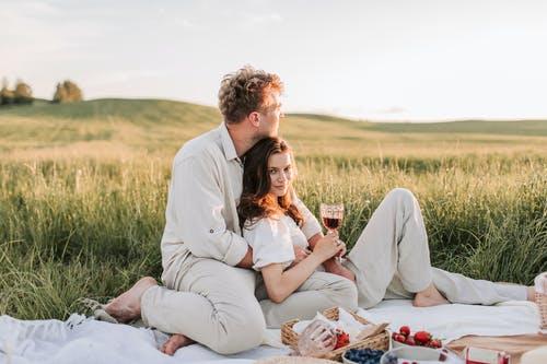 为什么很多人觉得婚姻不幸福,结婚到底为什么?