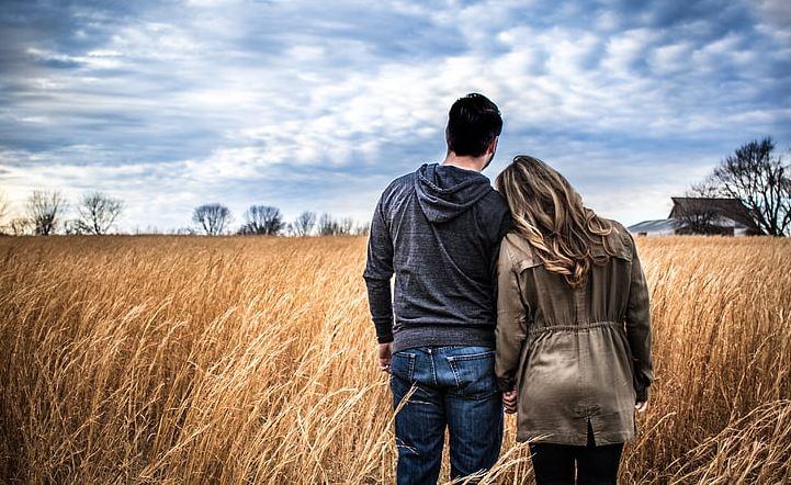 异地恋怎样看出他爱你,他是否真心爱你