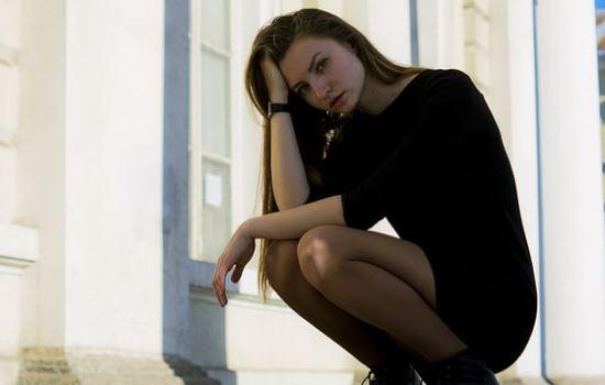 女情人突然说以后不见面了,拉黑后如何正确挽回