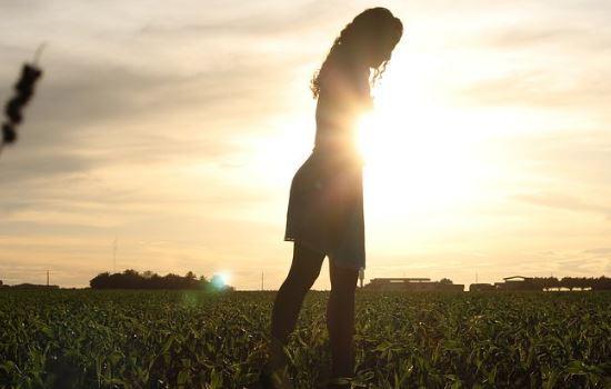 和男性暧昧聊天被老公发现,要和我离婚,我要怎么挽回他?