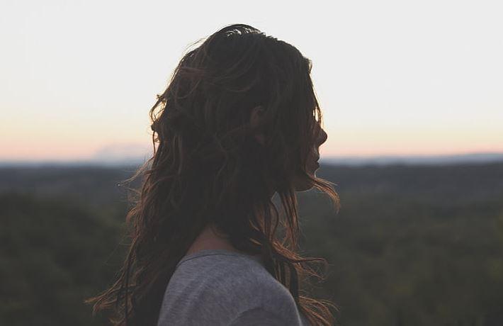 男朋友太累了想分手,说他不愿意耽搁我,怎么能挽回他呢?