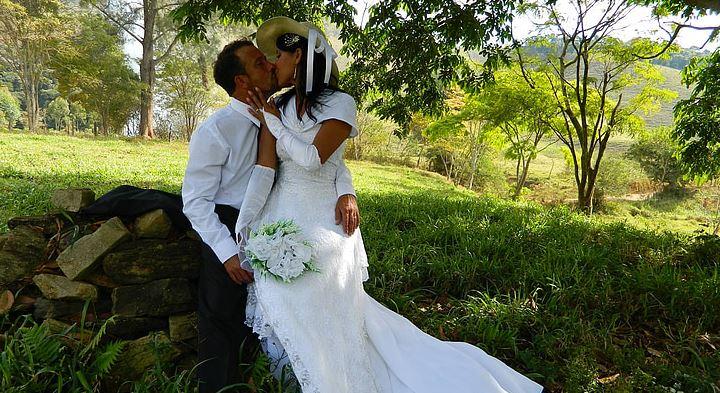 老婆外遇到底要不要离婚,老婆出轨后变心还要离婚怎么办?