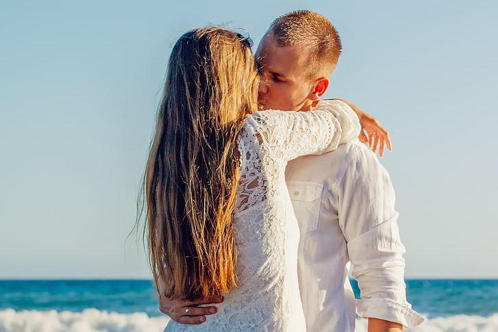 人一旦有了离婚的念头,及时化解问题挽回婚姻的方法