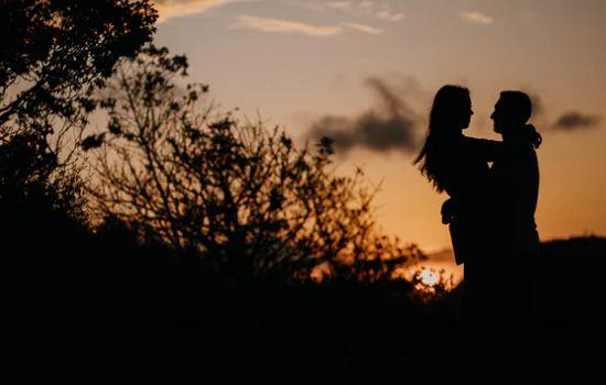 不信任异地恋女友,导致她和我分手了,该怎么挽回?