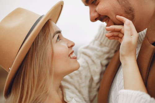 异地恋和男朋友吵架冷战,该怎么挽回?