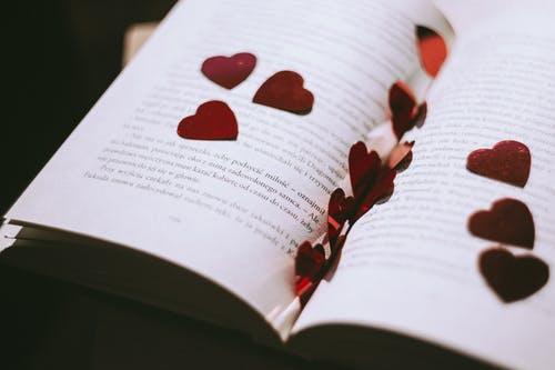男朋友前妻离婚不离家,对我冷淡,该怎么挽回?