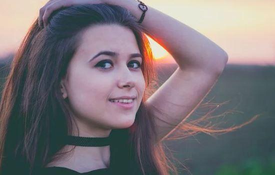 女朋友说没有自由,分手拉黑了联系方式,如何才能挽回她?