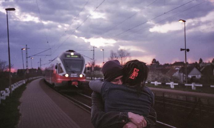 男朋友说要我忘了他,我们没有未来,我们明明很相爱!