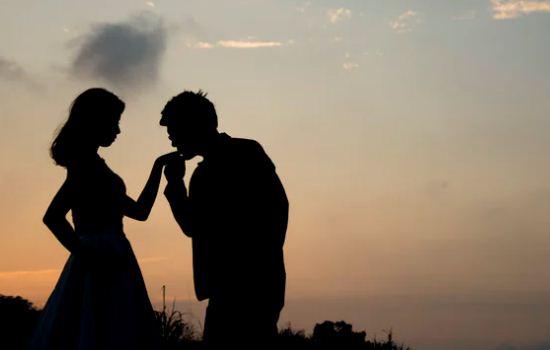 男朋友不顾及我感受,他对我不好,要继续吗?