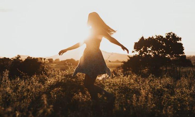 女朋友觉得我不关心她,坚决要分手,怎么挽回她的心?