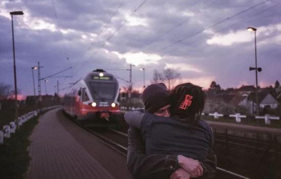 情感咨询:异地恋男友想让我去他的城市,该如何选择?