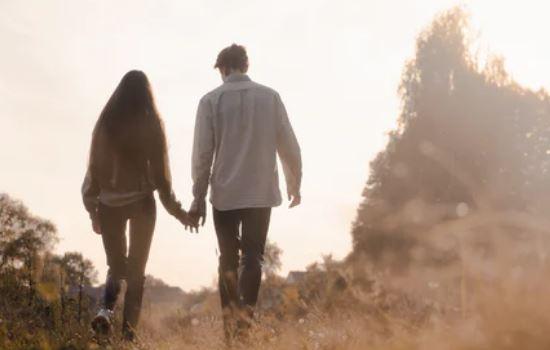 情感咨询:感觉男朋友自私,我该继续和他相处下去吗?