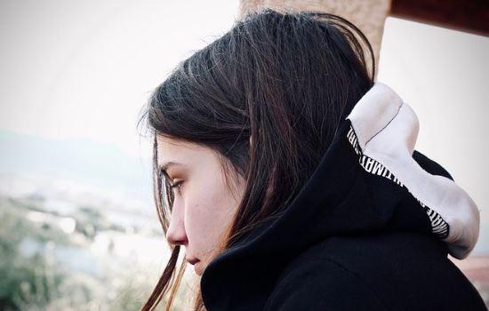 情感咨询:感觉异地男友对我冷淡了,怎么挽回他的心?