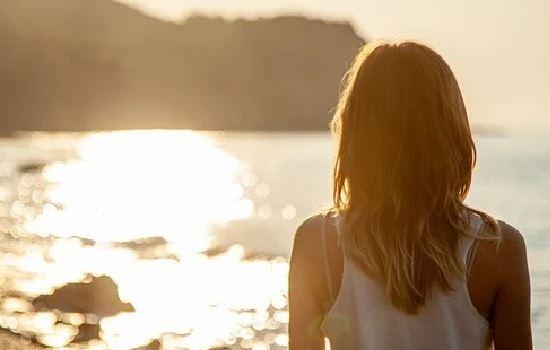 分手后前男友时不时找我聊天是什么心理,如何挽回爱情
