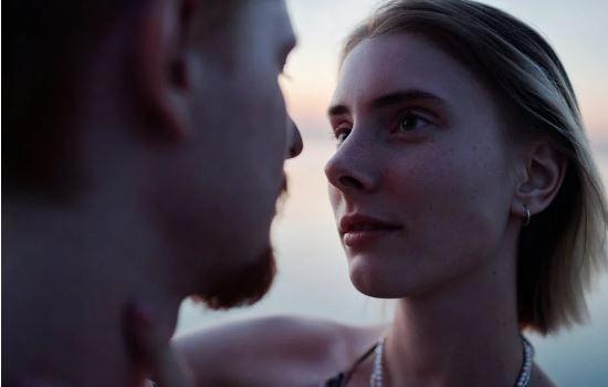 女人放下一个男人表现,拉黑删除意味着还爱你