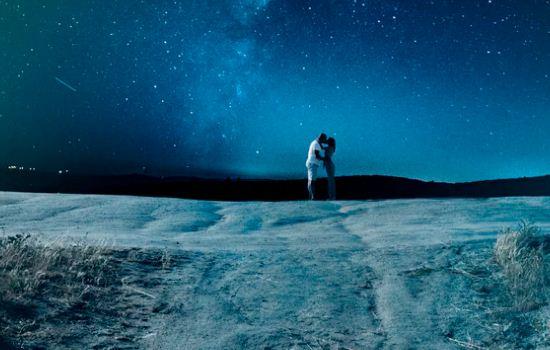 夜晚想念情人短信,思念到无法入睡的句子