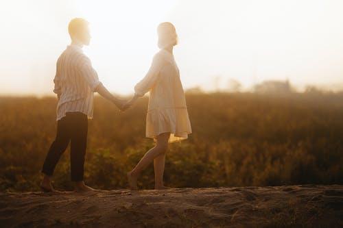 婚外情分手几年了还会想念,想和对方重新爱一次