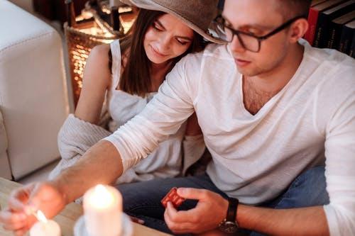 如何挽回分手的婚外情人,快速挽回情人的方法