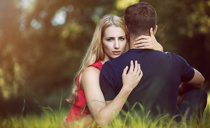 婚外情分手为什么痛苦,两人的过去怎能说忘就忘