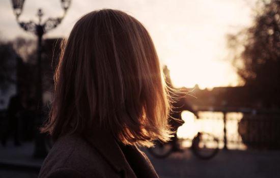 朋友圈暗示自己分手的说说,看穿男人分手后发的朋友圈