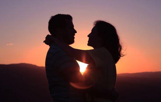 吸引力法则挽回前男友,让他重新爱上你的策略