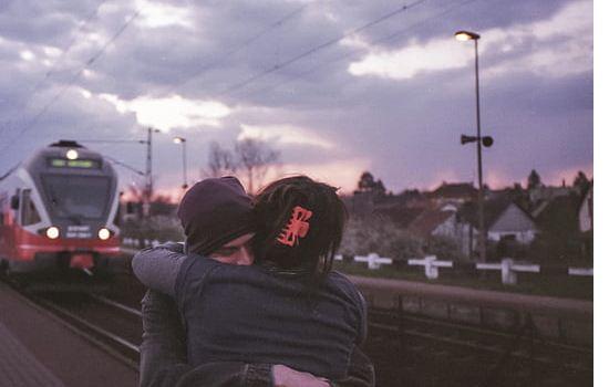 你把婚外情当成是真爱,认真你就输了,过来人告诉你是怎么回事