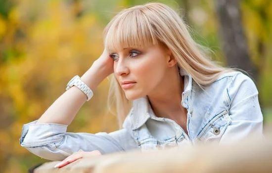 和别的女人聊天记录被老婆发现,坚决要离婚,怎么办?