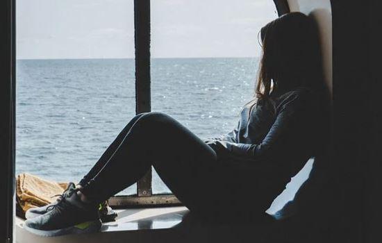 女朋友分手后毅然绝情,越绝情说明心里还有你