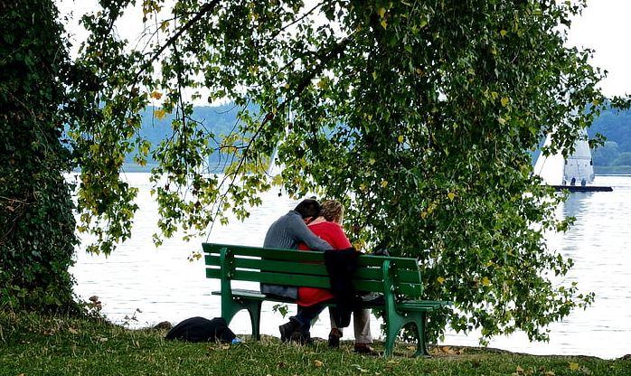 婚外情分手了还联系说明什么,会旧情复燃吗