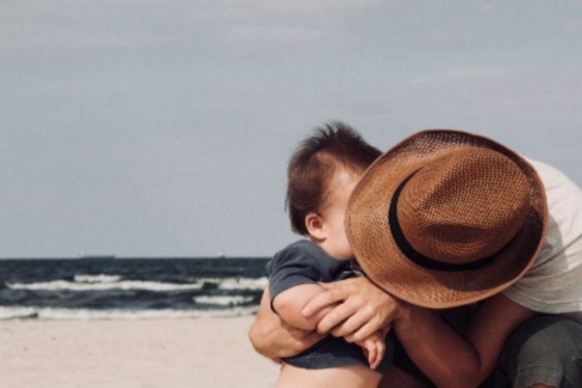 老公完全不顾家不照顾孩子想离婚了