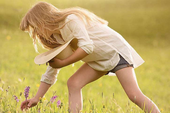 当一个男人突然对你温柔了,男人已经爱上你的征兆