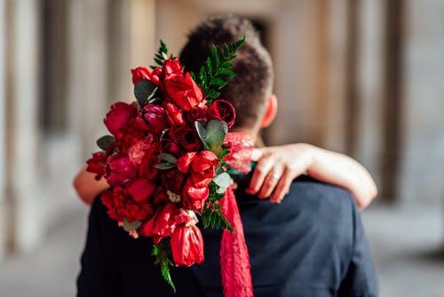如何挽回前任男友的心,教你建设朋友圈挽回对方